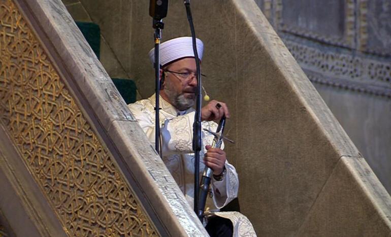 Khotib Salat Jumat di Hagia Sophia Bawa Pedang, Apa Maksudnya?