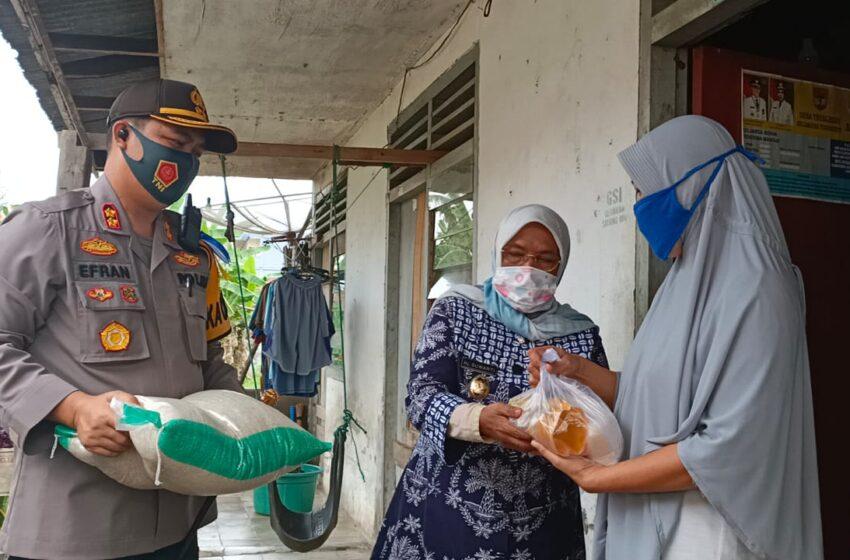 Kapolres dan Wabup Musi Rawas Door to Door Salurkan Bantuan ke Masyarakat