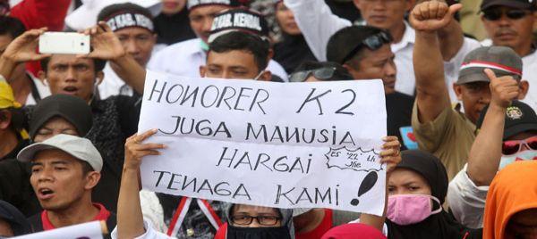 Tak Miliki BPJS, Honorer K2 Gak Bakalan Terima Bansos Pekerja