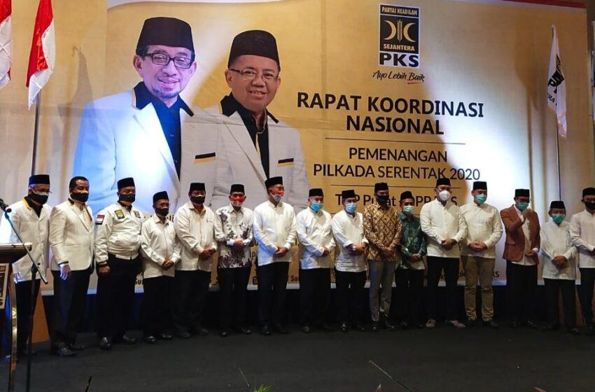 PKS Serahkan SK untuk Paslon yang Diusung dalam Pilkada 7 Daerah di Sumsel