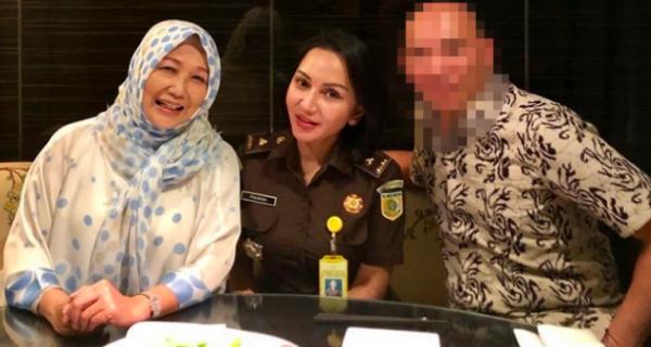 Viral Foto Jaksa Cantik Pinangki Sirna dengan Djoko Tjandra dan Anita Kolopaking